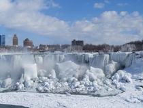Niagara Falls is Frozen