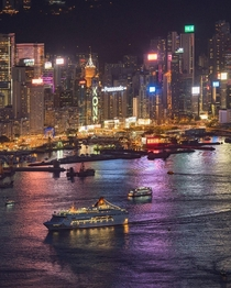 Night cruise on Hong Kong harbour