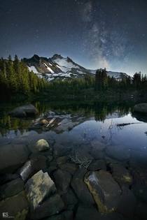 Nighttime over Jefferson Park Oregon  by Leif Erik Smith
