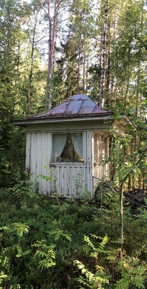 Not really sure what this is Found this weird small house in the forest while walking with my dogs