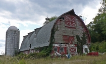 Now this is a barn Photo by Daniel Berek