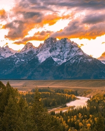 OC- Who else loves leaving their - job permanently behind to hide in the mountains Grand Teton National park Wyoming