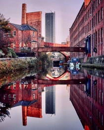 Old and new Manchester Hilton from the Bridgewater Canal
