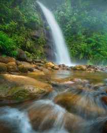 One of Costa Ricas many stunning waterfalls