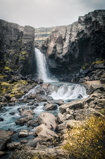 One of the tousands of waterfalls in Iceland that we stumbled upon