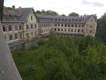 One of the two abandoned sanatoriums near my house France OC