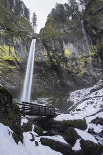 Oregons Ellowah Falls Surrounded by Snow