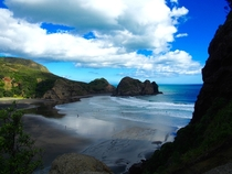 Overlooking Piha beach from Lions Rock New Zealand