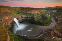 Palouse Falls at Sunset Photo by Beth amp Jeremy Jonkman