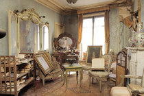 Parisian flat left untouched from  to