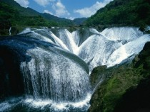 Pearl Shoal Waterfall - Jiuzhaigou China