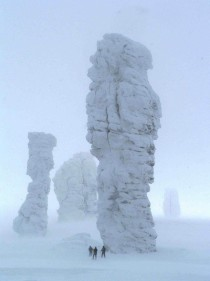 Pillars of weathering Mansi fools in winter Manpupuner Trinity-Pechora Russia