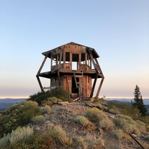 Pilot peak fire lookout station