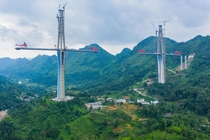 Pingtang Bridge under construction in China