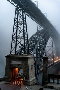 Ponte Luizi Porto Portugal on a fogging morning
