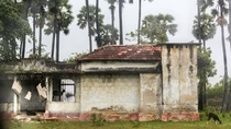 Post-war abandoned houses in the City of Jaffna