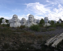 Presidents park in a field in Croaker Virginia