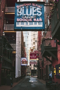 Printers Alley Nashville Tennessee Photo credit to Brandon Jean