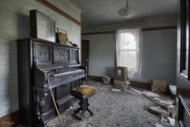 Pump Organ amp Insect Collection Found inside an Abandoned Time Capsule House in Rural Ontario