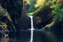 Punchbowl Falls Columbia River Gorge Oregon