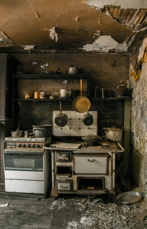 Rad Decay - Kitchen of Maison Greiveldinger