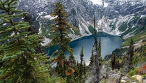 Rainy Lake in North Cascades National Park x