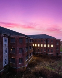 Rare opportunity I experienced powering up a abandoned psychiatric hospital at sunset
