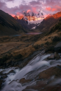 Red at Night in the Peruvian Andes of South America  x IG mattfischer_photo