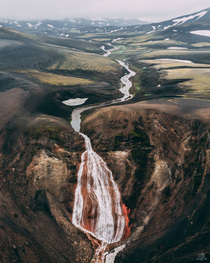 Red Waterfalls Icelandic Highlands  x
