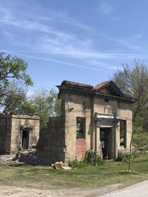 Remains of a bank in Texas