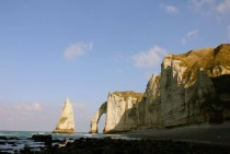 Remember that picture from tretat It was taken on top of that cliff tretat Normandy France