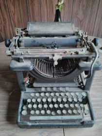 Remington Standard No  Typewriter from
