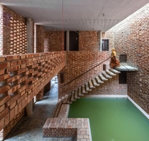 Revival of a country house in Bangladesh