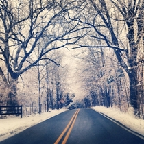 Road in Kentucky after an icesnow storm