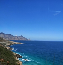 Roadside ocean views in Cape Town