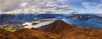 Roys Peak a mountain on the South Island of New Zealand  photo by Yan Zhang