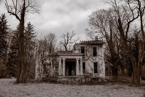 Ruined manor house in the Midwest Gary Beeber