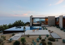 Saddle Peak House in Los Angeles by Sant Architects