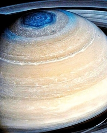 Saturns hexagon