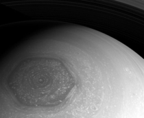 Saturns north pole hexagon
