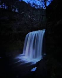 Sgwd yr Eira waterfall Glynneath South Wales UK x