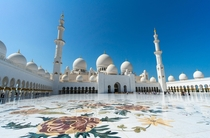 Sheikh Zayed Mosque in Dubai -