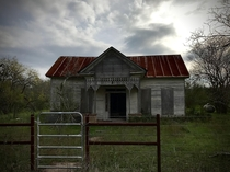 Small Abandoned Home in Gonzales Texas
