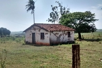 Small abandoned house in the Brazilian countryside