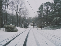 snow in an Atlanta suburb