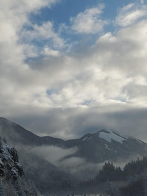 Snowy mountains and trees at Snoqualmie Pass OC x