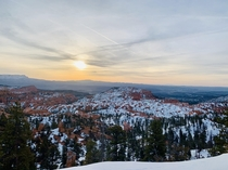 Solitude and snowfall at Bryce Canyon NP