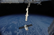 SpaceXs Dragon cargo ship arrives at the International Space Station September rd  German astronaut Alexander Gerst used the space stations robotic arm to grab the capsule with help from NASA astronaut Reid Wiseman