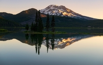 Sparks lake always puts on a show in the morning OR