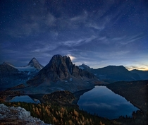Starry Night at Mt Assiniboine in the Canadian Rockies  Photo by Yan Zhang